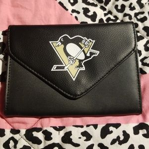 Official Pittsburgh Penquins Wrislet NWT
